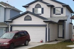 $1790 – 147 Tarawood Grove NE, Available September 1st Rent to Own!