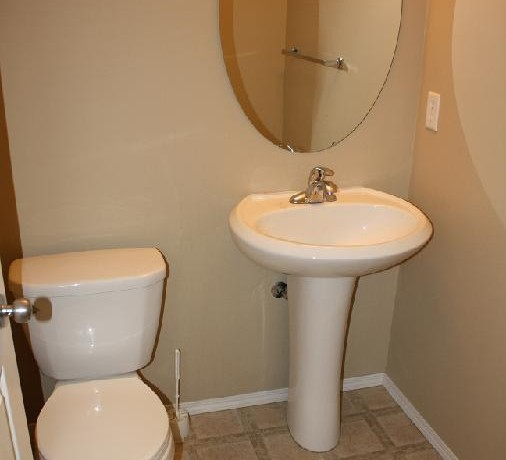 250 Luxstone Rd Bathroom 1
