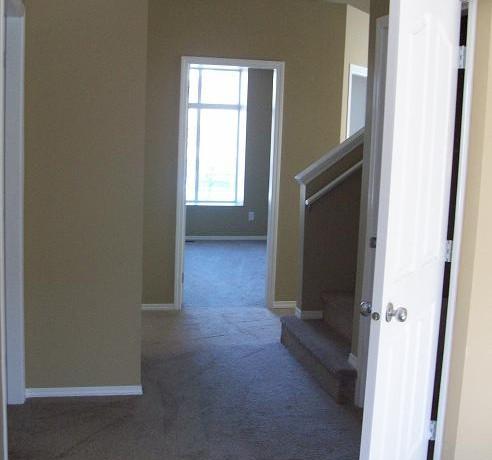 250 Luxstone Rd Hallway