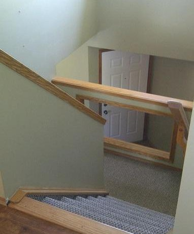 32 Canoe Sq Stairwell