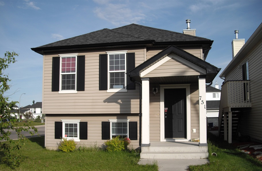 $1690 – 751 Copperfield Blvd SE, Available Now Rent to Own!