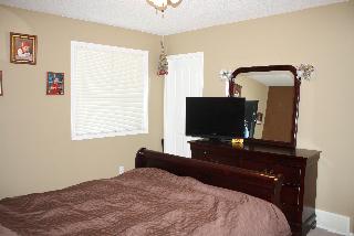 Bedroom 2, 805 - 2001 Lux