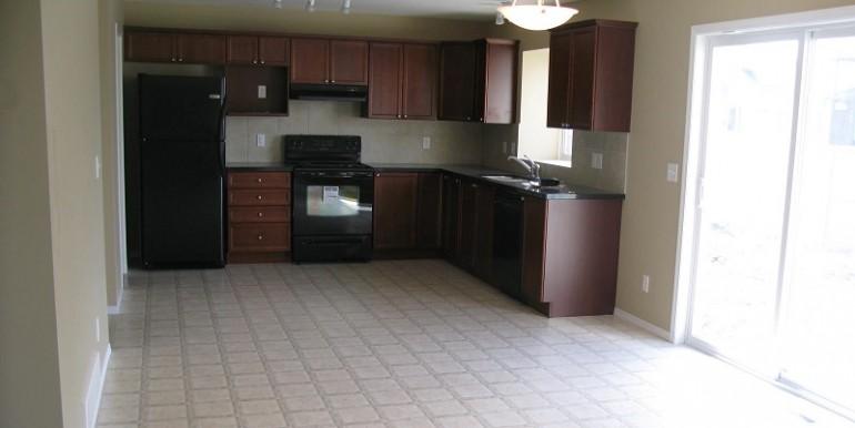 2046 Luxstone Blvd Kitchen