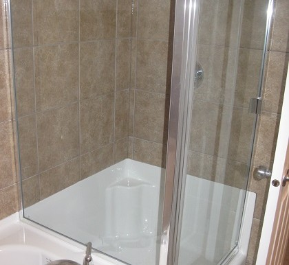 262 Luxstone Road SW Bathroom 2