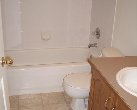7816 Laguna Way NE Bathroom 1