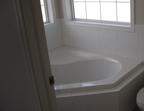7816 Laguna Way NE Bathroom 2