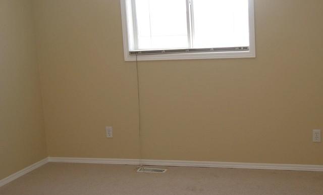 7816 Laguna Way NE Bedroom 1