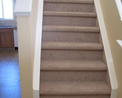 7816 Laguna Way NE Stairs