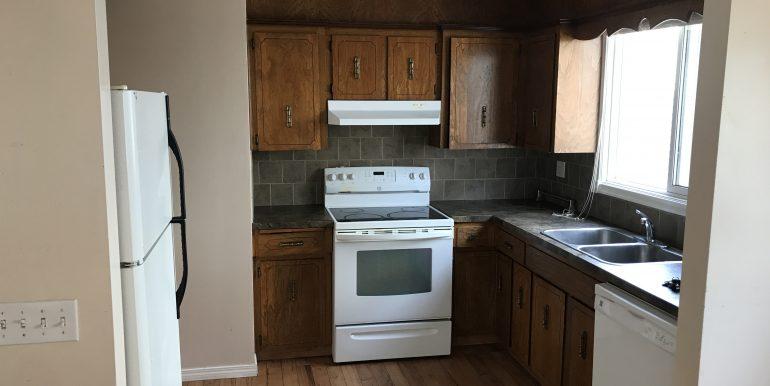 129 Templehill Dr Kitchen