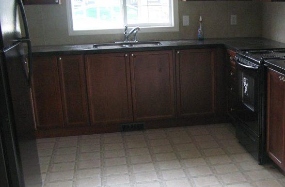 270 Luxstone Rd Kitchen
